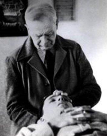Cranial Osteopath - Dr-William Sutherland
